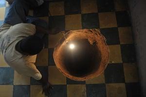 Sinkhole: Sinkhole forms under Guatemalan woman's bed