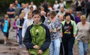 Norway attacks aftermath: Mourners gather to observe a minute's silence