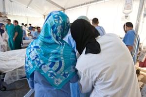 Misrata hospital: Nurses in the triage tent