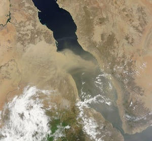 Satellite Eye on Earth: Dust plumes off the coast of Africa