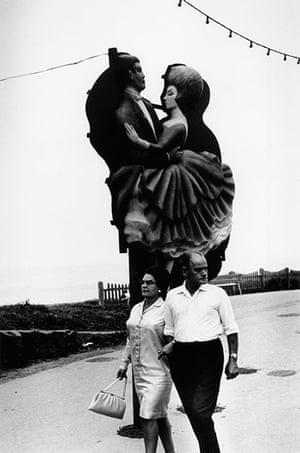 Blackpool: Couple, Blackpool, 1968
