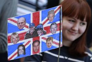 Royal wedding: Spectators wait