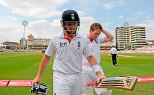 cricket: England's Bell and Morgan leave the field