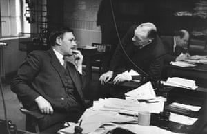News of The World History: Chief Sub Editor talking with Editor A G Waters at the News of The World