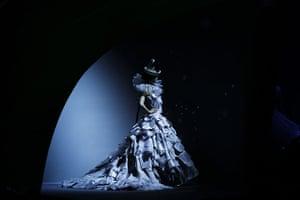 Paris Haute Couture: Christian Dior Haute Couture 2011/2012 collection Paris