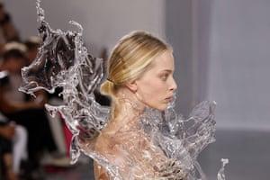 Paris Haute Couture: Iris Van Herpen Haute Couture 2011/2012 collection Paris