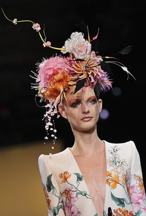 Paris Haute Couture: Giorgio Armani Prive Haute Couture 2011/2012 collection Paris
