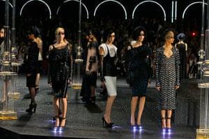 Paris Haute Couture: Chanel Haute Couture 2011/2012 collection Paris