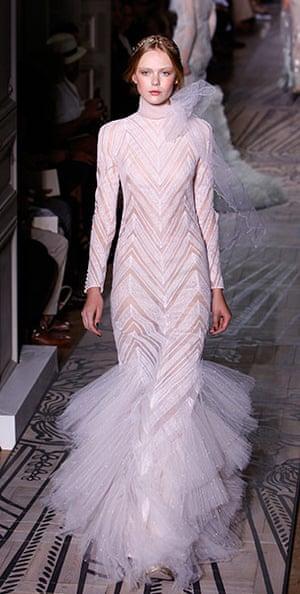 Paris Haute Couture: Valentino Haute Couture 2011/2012 collection Paris