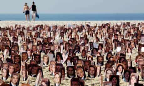Baha'i: Copacabana beach protest