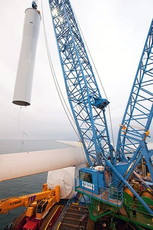 Ormonde wind farm: The second tower section is lifted