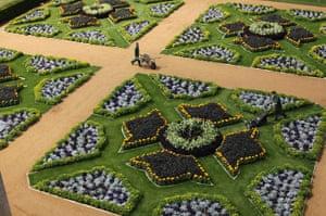 Wrest park: Gardeners put finishing touches to the Italian Gardens