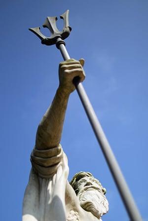 Wrest park: A statue of neptune