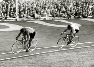 Herne Hill Velodrome: Sport. Cycling. 1948 Olympic Games. Herne Hill