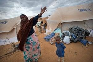 Dadaab camp, Kenya: Family moving in new tents, Dadaab camp, Kenya