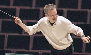 Jonathan Nott conducting