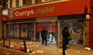 Currys Digital shop looted