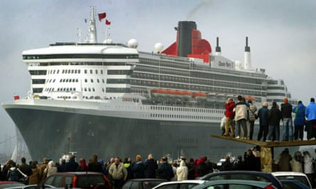 The Queen Mary 2 arrives in Southampton