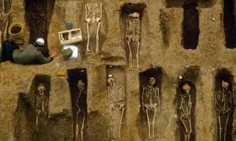 Black death victims at Old Royal Mint, London