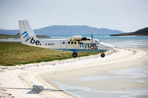 Isle of Barra airport: Airport on a beach on Isle Of Barra, Outer Hebrides