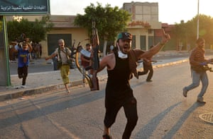 Libya: Libyan rebels celebrate in Zawiyah