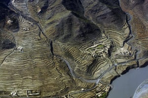 24 hours in pictures: Afghanistan: The River Darya ye Kunar valley near Assadabad