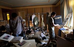 Gaddafi houses: rebels search Aisha's house