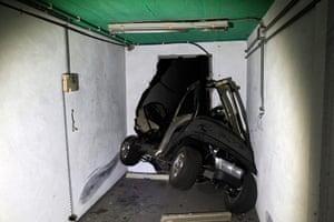 Bab al-Aziziya, Tripoli: A damaged electric golf cart in the bunker, Bab al-Aziziya compound