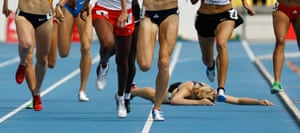 24 hours in pictures: New Zealand's Nikki Hamblin falls at World Athletics Championships