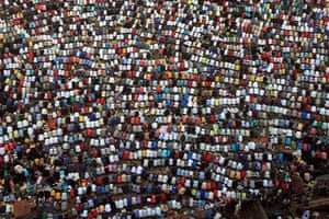 Eid al-Fitr: Cairo, Egypt: Muslims gather to pray