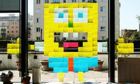 Spongebob Squarepants in a Paris office window