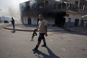 Sean Smith in Libya: 27 August: The town of Jmayl, one of the last Gaddafi strongholds