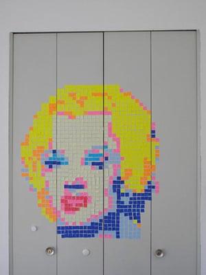 Post-it wars: Marilyn Monroe