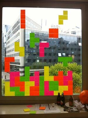 Post-it wars: Tetris