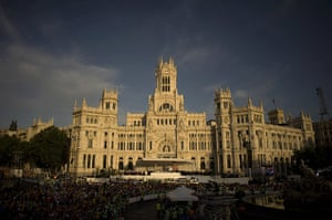 FTA: Jorge Guerrero: Pilgrims gather in Cibeles square in front of Madrid's city hall