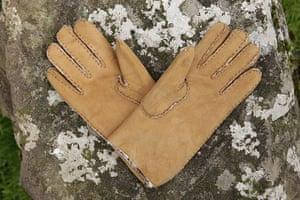 Travel - cool kit gallery: Men's sheepskin gloves