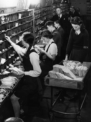 You can help your country: Young people sorting the mail, 1942