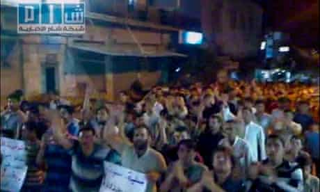 Syrian protesters show solidarity with countrymen in Hama