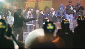 Tottenham riots: Rioters confront police