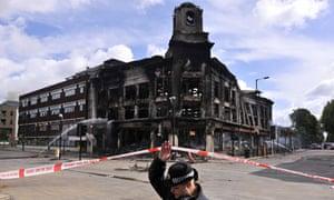 Burnt out Carpetright Tottenham