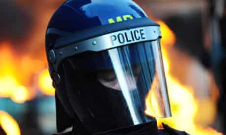 Riots spread to Hackney