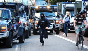 London riots day 3: Special forces are deployed from Stoke Newington police, Hackney Central