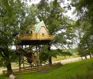 Scandinavian cabins: The Cabin in the Trees, Falköping, Sweden