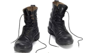 AK7A5Y British army Forces issue black army leather boots. Image shot 11/2007. Exact date unknown.