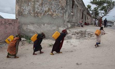Internally displaced women in in Somalia.