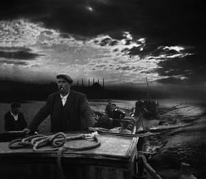 Vintage Istanbul: 1950, Kumkapi fishermen returning to port in the first light of dawn