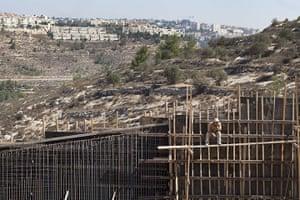 Al-Walaja: construction of the wall