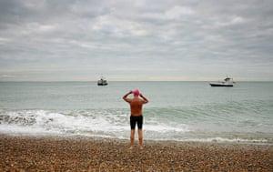 Guinness world records: 70-year-old Roger Allsopp leaves Shakespeare Beach in Dover