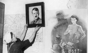 Picture of Adolf Hitler removed in Frankfurst 1945