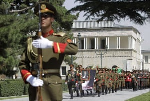 Rabbani funeral: Soldiers carry the coffin